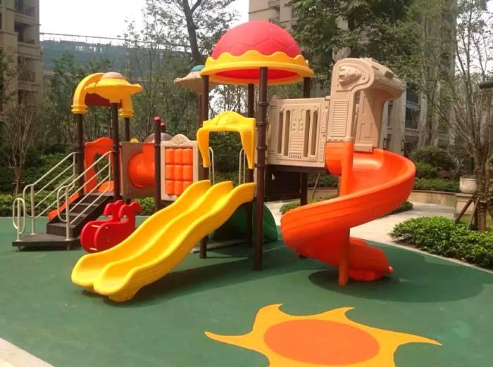 户外大型组合滑梯生产厂家-幼儿园工程塑料环保滑梯厂家定制