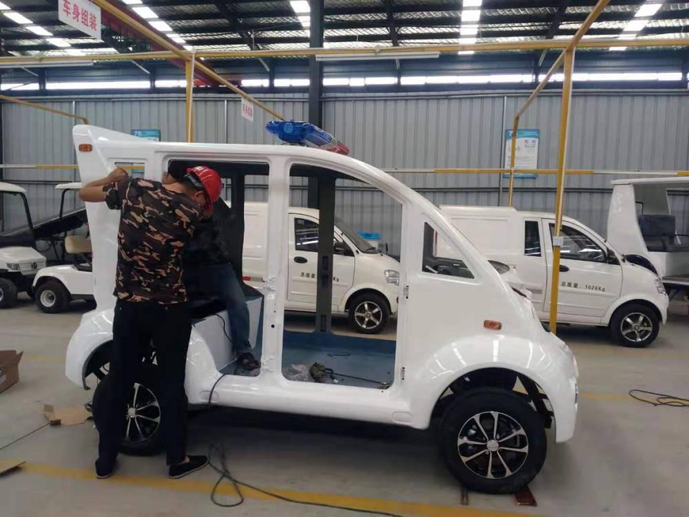 杨凌中石龙电动车辆有限公司———客户巡逻车现场安装中