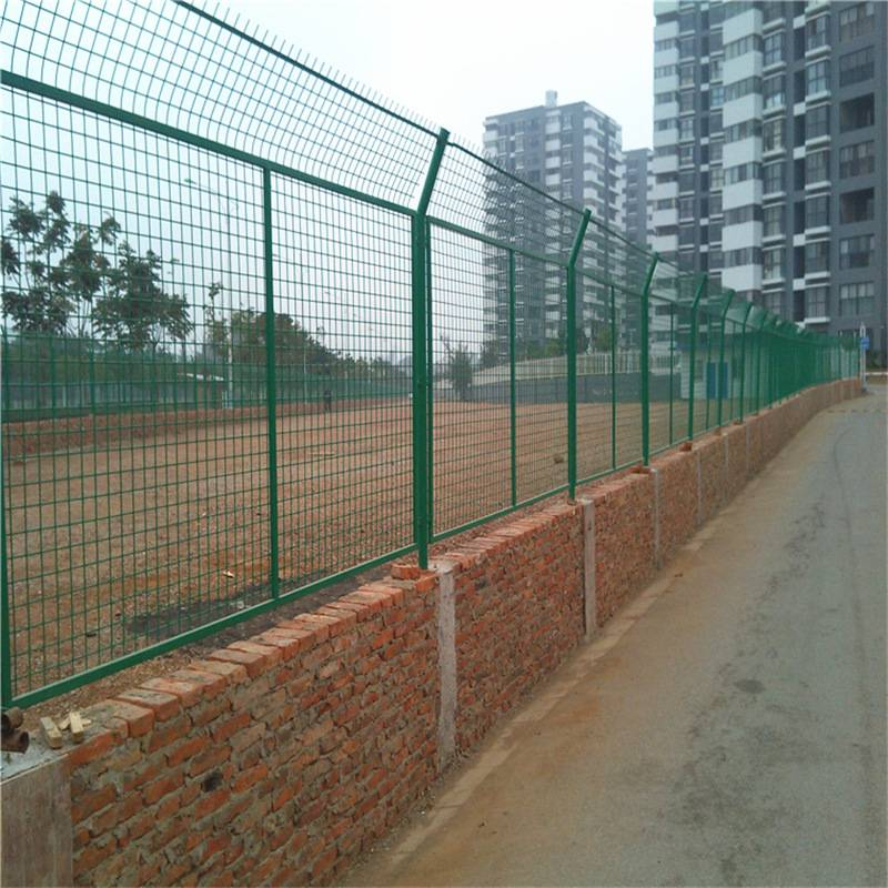 四川雙邊絲護欄廠家公路雙邊絲護欄安裝金屬鐵絲網圍欄