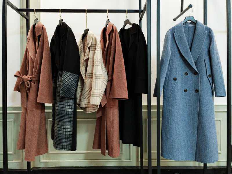 女装批发一手货源 杭州四季青地 品牌折扣尾货女装 拉夏贝尔新款组货包大衣