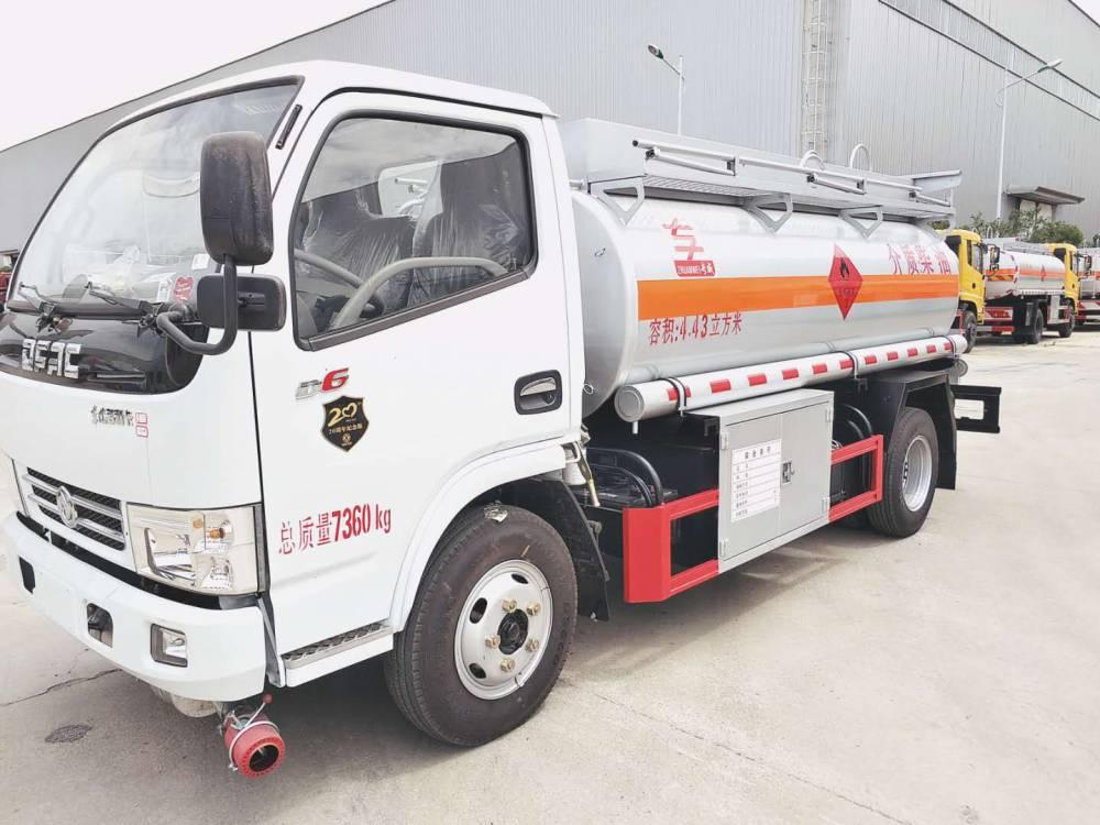 东风多利卡5吨油罐车 加油车