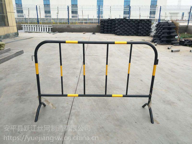 市政,黄黑热镀锌管铁马护栏施工隔离栏 厂家直销
