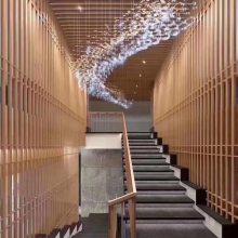 铝合金热转印木纹铝方管吊顶铝天花铝幕墙装饰材料生产厂家
