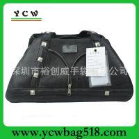 广东深圳手袋厂 生产定做 时尚Pu皮宠物包 铆钉PU手提包 狗袋