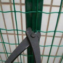 /圈地铁丝围栏网/荷兰网厂家/涂塑荷兰网/的安装方法