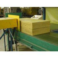 供应优质防火保温岩棉板
