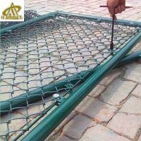 篮球场围网施工 运动场笼式足球围栏网 体育场勾花护栏