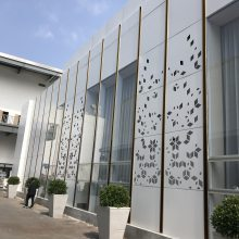 艺术铝方管批发价 (欧百得) 凹型木纹方管天花 弧型吊顶装潢铝板方通生产厂家