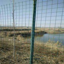 万泰波浪形护栏网 的防护网 低碳钢丝围栏