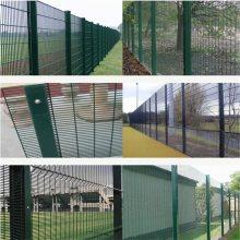 旺来三角折弯护栏网厂家 pvc围墙护栏价格 圈地围栏