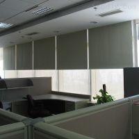 厂家窗帘定做直销 专业安装办公室手动卷帘 遮阳卷帘 手动百叶窗定做 会议室遮光窗帘定做