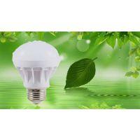 LED灯泡 7W 地摊塑料球泡灯 LED球泡灯工厂 年度热销球泡灯 高亮度节能