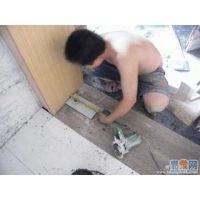 郑州维修玻璃弹簧门/郑州自动感应门维修/玻璃门地弹簧