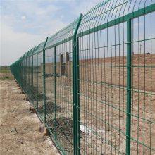 铁丝围栏网防护 围栏网那里价格低 养鸡场护栏网