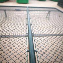 批发足球场围网 组装体育围栏网 勾花护栏价格