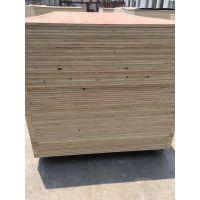 单面贴奥古曼面杨木胶合板包装箱板漂白面胶合板规格全价格优