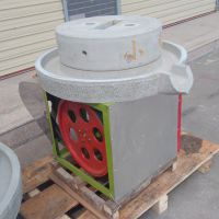 自动化石磨 商家直销豆浆石磨机 各类规格磨浆机