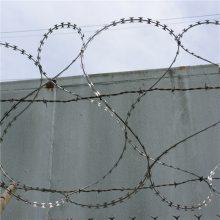 蛇腹型刀片刺绳 刀片刺绳包装 刺丝防护网