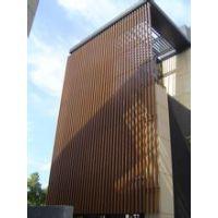 供应隔断与吊顶之黑色铝方通,亦可来电订做各式各样的木纹铝方通,根据客户需求订做厂家直销品优价美