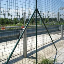 顺旺荷兰网 波浪护栏网 圈山安全防护网