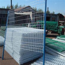 道路交通安全隔离栏 四川桃型柱护栏网 高速公路护栏网