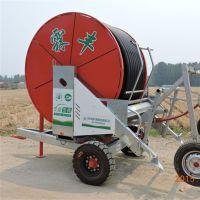 玉米地用什麽設備澆水?山東霖豐移動式400米噴灌機