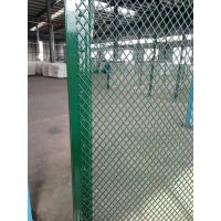 厂家加工定制勾花网护栏网,结构简单施工快速,专业体育场护栏网