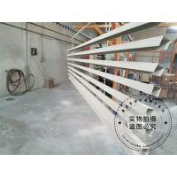 青岛苏宁商场吊顶专用50*30*0.5木纹铝方通 U型木纹铝方通吊顶线条明快,通风透气