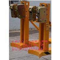 山东济南DG720A油桶夹具DG720A叉车夹桶器