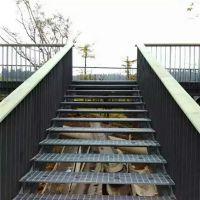 楼梯踏步板@优质镀锌楼梯踏步板格栅板优盾厂家@不锈钢钢格板