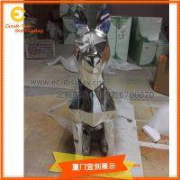 玻璃钢切割面电镀小狗 玻璃雕塑厂家 厦门道具制作厂