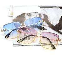 2018新款太阳镜 欧美时尚方框眼镜 金属潮流炫彩小蜜蜂女士墨镜