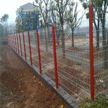 小区园林三角折弯护栏网 桃型柱铁丝防护网 户外栅栏草坪围栏护栏网