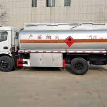 8吨东风多利卡加油车价格,楚胜加油车厂家,东风小型加油车