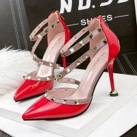505-1欧美性感尖头高跟鞋铆钉一字带夜店单鞋漆皮百搭显瘦女鞋