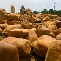 镇兴奇石 英德黄蜡石 吨位石 奇形怪状黄蜡石