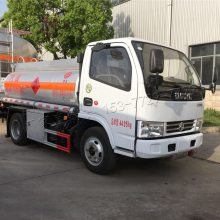 厂家直销东风多利卡加油车 东风蓝牌油罐车 5吨油罐车厂家