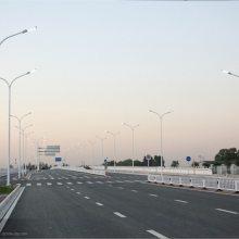 新疆LED市政路灯生产厂家 220V接电路灯IP66防护等级