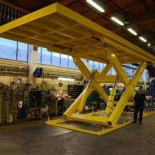 天锐升降货梯厂家 安吨位定做液压升降货梯 导轨式升降货梯