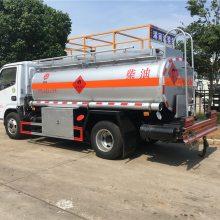 厂家直销10吨油罐车,东风多利卡加油车,楚胜加油车价格