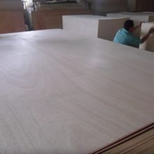 杨木胶合板打包箱多层板杨木芯家具板双面桃花芯板