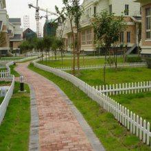 郑州哪里有卖绿化草坪护栏 久卓现货供应 pvc塑钢草坪护栏