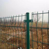 折弯绿色围栏 桃形立柱防护网 围工地铁丝网