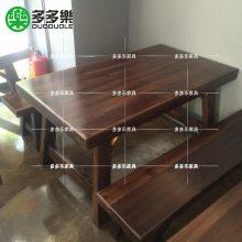 深圳夜宵烧烤桌 木屋烤吧实木餐桌 木屋烤吧进口实木桌椅 人造自然边桌椅