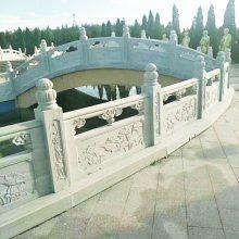 加工定做河道石栏杆 桥梁汉白玉石栏杆 护城河石材栏杆板每米多少钱