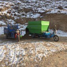 各式各样草料混合撒料车 大容量牲畜容量喂料车 润众