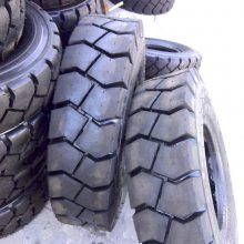 8.25-15充气叉车轮胎 全新5t叉车轮胎825-15价格