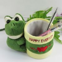 厂家直销 毛绒青蛙笔筒 学习用品 创意文具动物欢迎定制 logo
