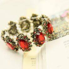 韩国进口 复古个性时尚款 祖母绿宝石镶嵌珍珠手镯 女手链