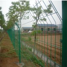甘肃高速铁丝网 双边丝带柱子防护网围栏 优盾牌监狱围网
